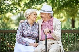 Seniors Meeting Seniors Online - Do's and Don'ts of Senior Online Dating